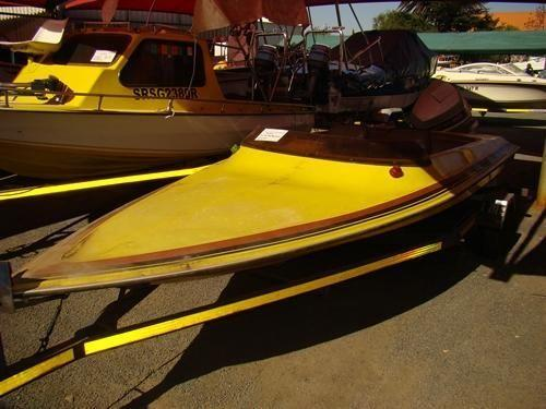 Dart speed boat with 90hp Evinrude