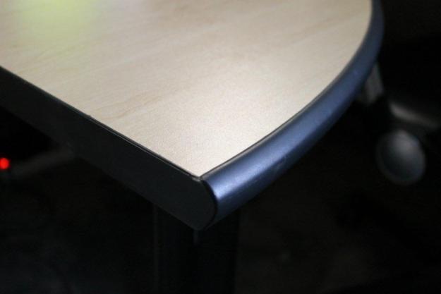 Desks / Cluster / Call centre workstations