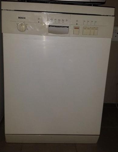 Dishwasher bosch white