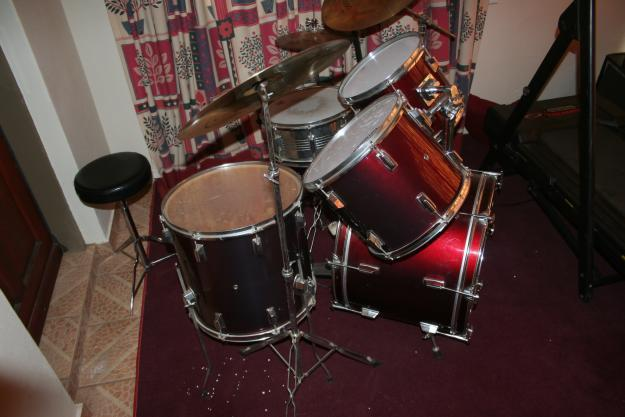 Drumset. no name