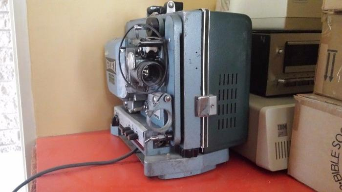 Eiki 8mm Video Projector for Sale in Worcester, Western Cape