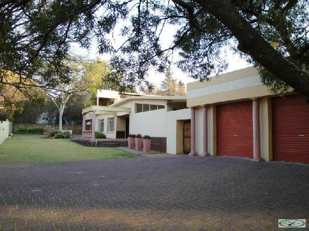 Eldoraigne centurion very large home house for sale for Very big houses for sale