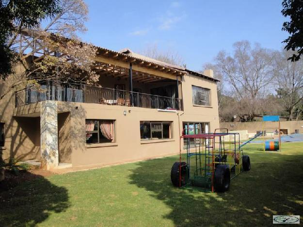 Eldoraigne very large house with 6 bed house for sale for Very big houses for sale