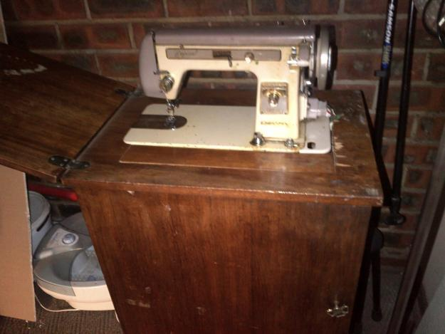 Empisal Goldline antique sewing machine