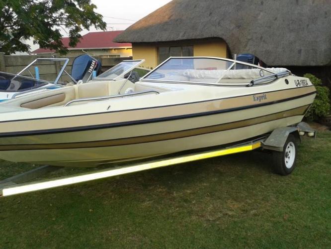 Esprit Boat