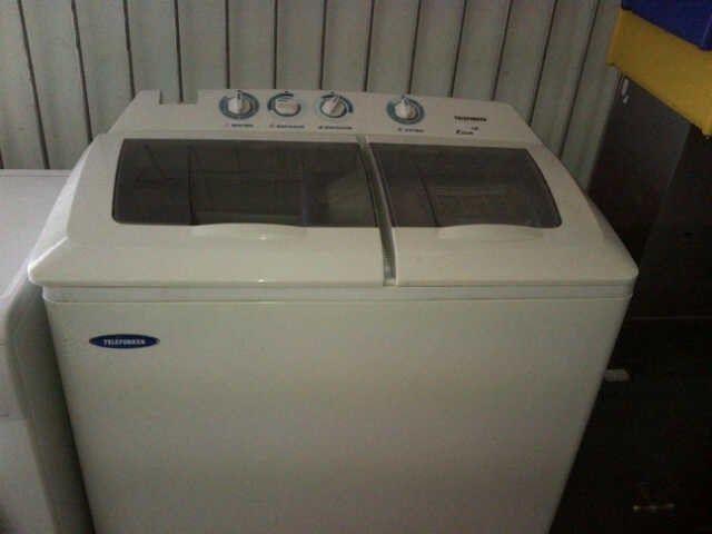 Excellent condition 11kg Telefunken Twin Tub washing