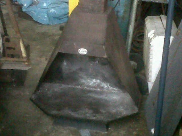 fireplace with flue and cowling R1300