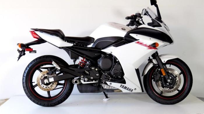 For sale 2012 YAMAHA FZ 6 R 69900 Petrol WHITE 7133 By