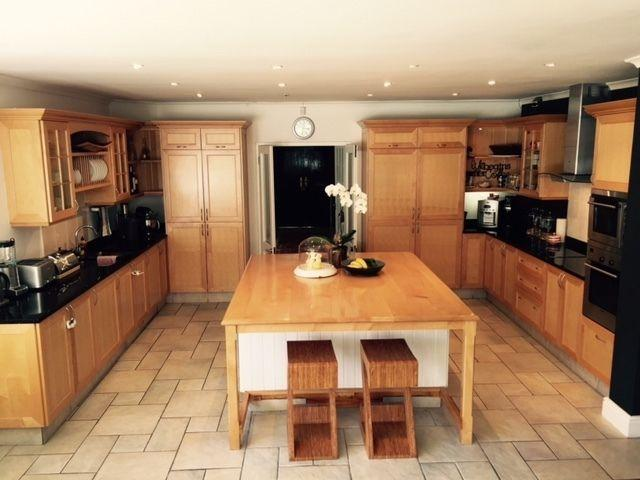 Fully kitted kitchen scullery with island wood granite for Kitchen tops cape town