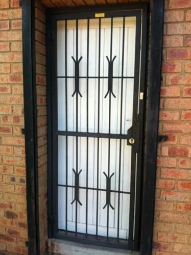 Garden gates and Spanish Burglar Bars in Kelvin