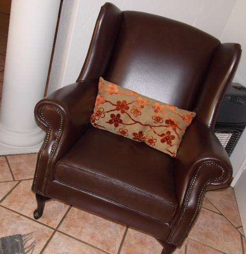 genuine leather couch wingback chairs for sale in pretoria