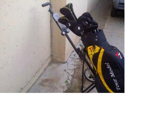 Golf Clubs with bag & push cart, use 4 Times
