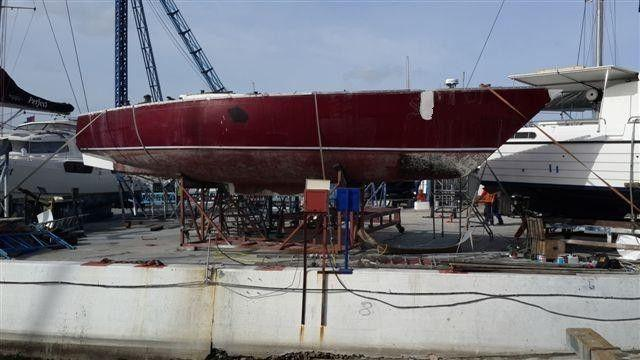 GOOD DEAL!!! 43 ft Gitana fast cruiser for refit for