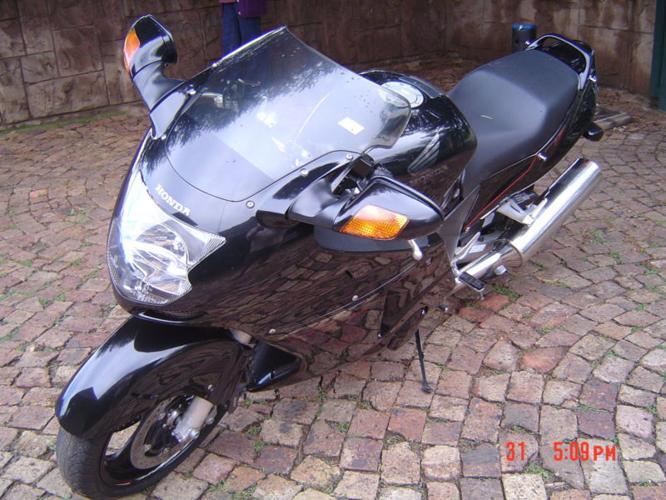 Honda CBR 1100 XX Blackbird Motorcycle