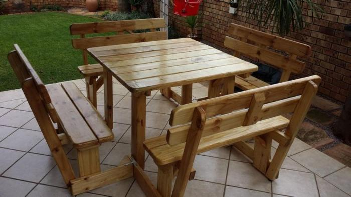 Indoor and outdoor WOODEN BENCHES.