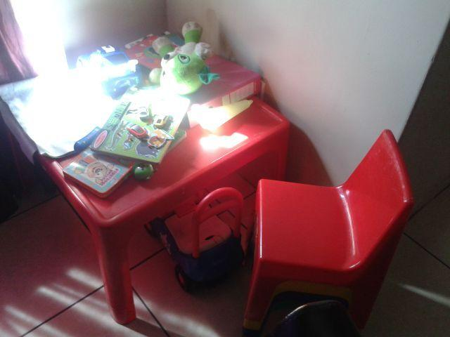 Jolly Kids Plastic Table with 4 chairs