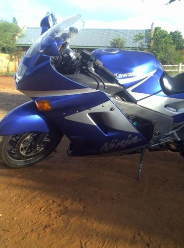 Kawasaki ZZR1100c For sale..