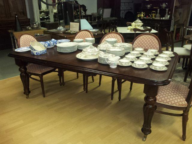 Large 8 seater Victorian mahogany table