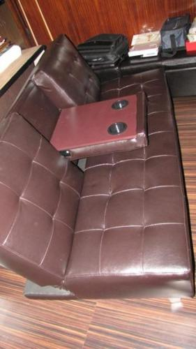 Leather Uppers Sleeper Couch: with Retractable Cup