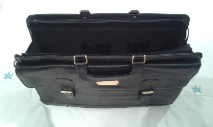 Like New! Executive Business Briefcase Black Leather