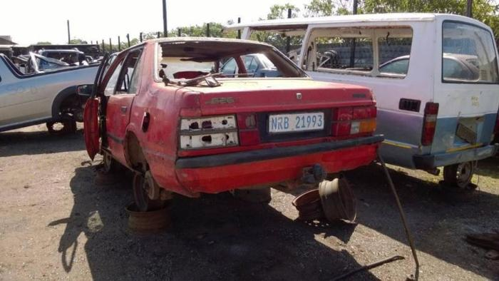 Mazda 626 2.0l - Stripping for Spares