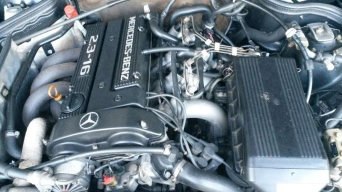 Mercedes 190 E 2.3-16 Cosworth engine