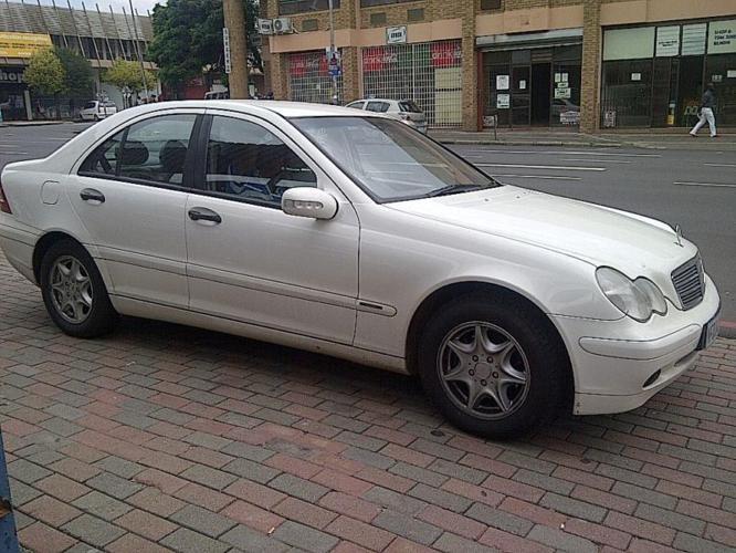 MERCEDES BENZ C180 2002 AUTOMATIC IN EXCELLENT