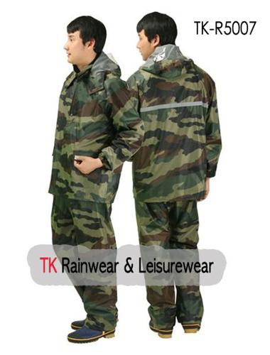 Military pattern rainsuit for sale