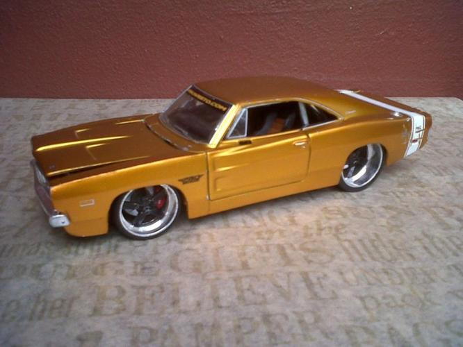 Model - Gold 1969 Dodge Charger R/T