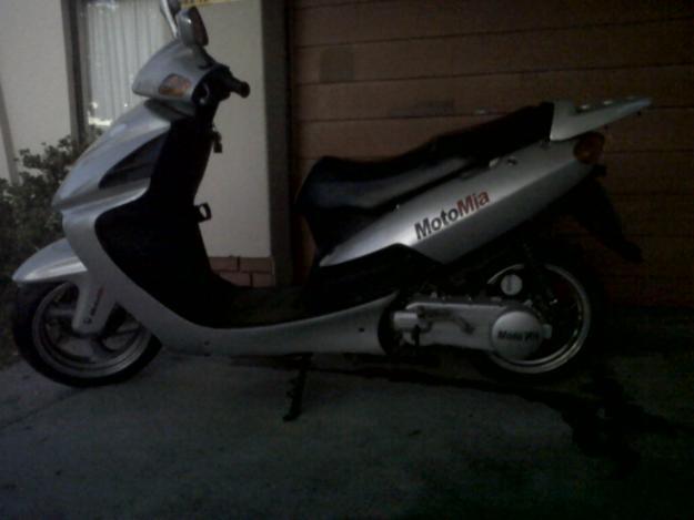 Motomia Java 150 scooter
