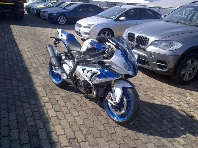 NEW BMW HP 4 2014