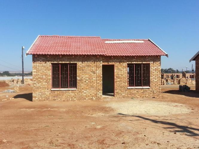 New face bricks house for sale in johannesburg gauteng for Face brick homes