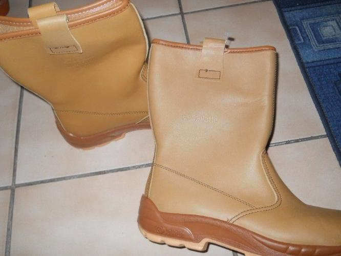 4f4c77dbd19 new jallate rigger boots for Sale in Kuils River, Western Cape ...