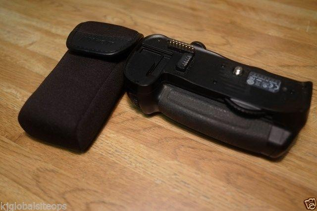Nikon MB-D10 battery grip complete with 2 Nikon
