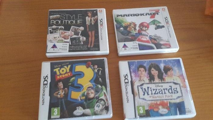 Nintendo 3DS games ( Style Boutique , Mario Kart ) DS games