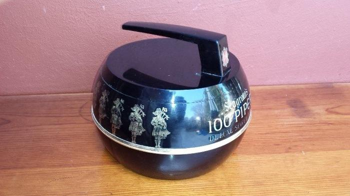 Old 100 Pipers plastic ice bucket.