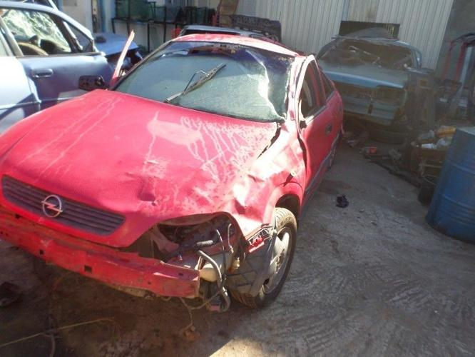 Opel Astra G stripping for spares 2000 model