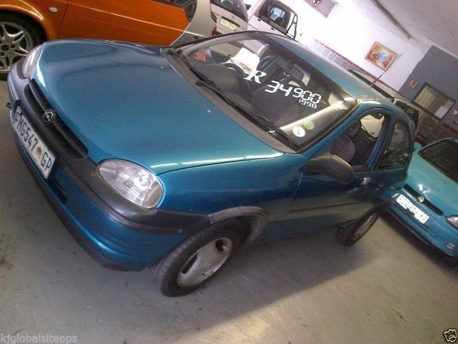 Opel Corsa 1.6 - R32 900.00