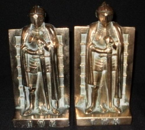 PAIR OF BRASS KNIGHT BOOK ENDS