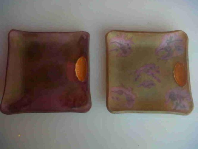 Pair of small Israeli bowls.