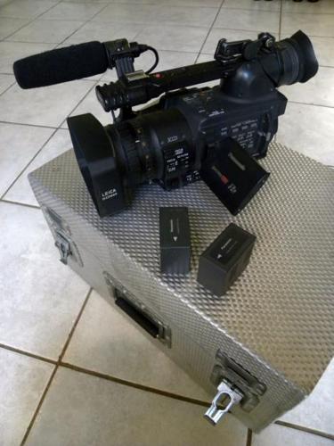 Panasonic HVX-200 P2/dv professional camcorder