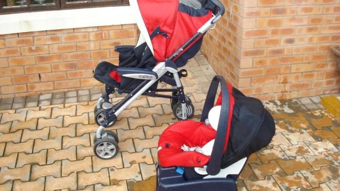 Peg Perego Pram with detachable car seat, base /