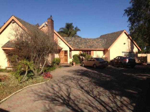 Property Details: 1 Entrance Hall .. - House For Sale