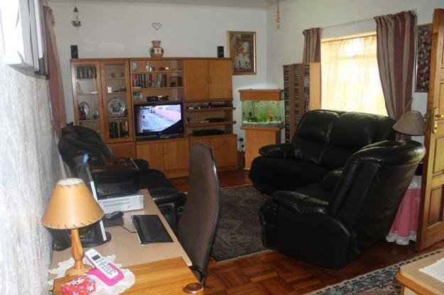 Property Details: 1 Kitchen 1 Lounge.. - House For Sale