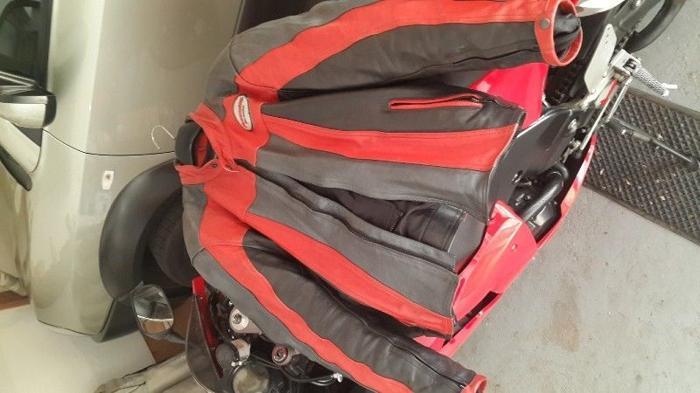 Red and black Dosondi leather jacket size 58 or xl