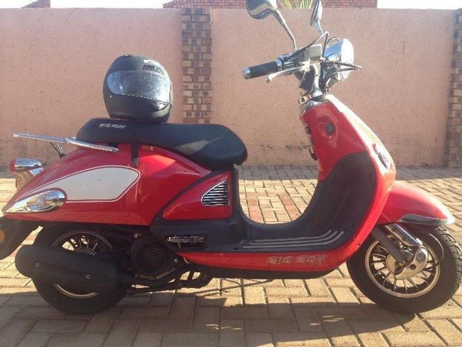 Red Big Boy Revival scooter 2014. Still brand new and