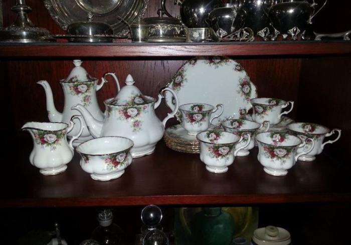 Royal Albert Celebration Tea Set *** EXCELLENT