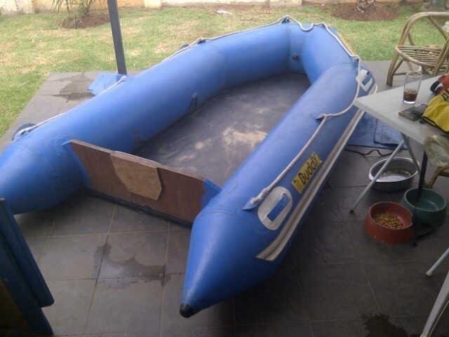 Rubberduck boat