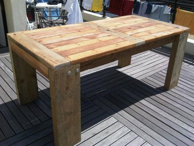 Rustic 6/8 seater Oregon wood table
