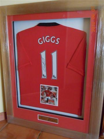 Ryan Giggs Signed Manchester United 2008/2009 Jersey